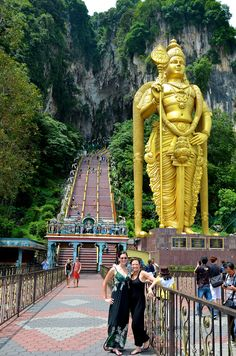 #BatuCaves, Malaysia. Combine time in the capital city with iconic wildlife, #tropical #rainforest, #river cruising, a pristine island escape and #spa and #relaxation in #Malaysia with #Steppes #SteppesTravel http://www.steppestravel.co.uk/destinations/far+east/malaysia/journeyideas/malaysian+honeymoon/