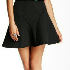 Romeo and Juliet Couture Fit n' Flare Skirt NWT. Stretch waist. Romeo & Juliet Couture Skirts Circle & Skater