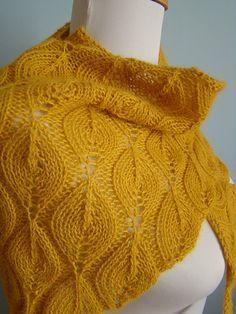 Candle flame shawl, free pattern