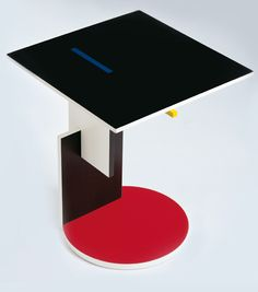 Wooden low table by Gerrit T. Rietveld, Schroeder1. Year of drawing:1922-23, Cassina.