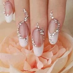 Shinning pearl style on nails - My wedding ideas