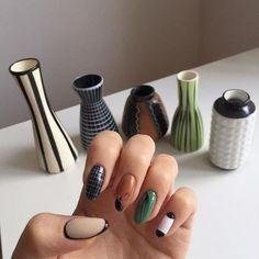 Nail Shapes - My Cool Nail Designs Nail Design Stiletto, Nail Design Glitter, Minimalist Nails, Cute Nails, Pretty Nails, Hair And Nails, My Nails, Grow Nails, Nailart