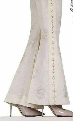 Sleeves Designs For Dresses, Dress Neck Designs, Stylish Dress Designs, Salwar Designs, Kurti Designs Party Wear, Pakistani Dresses Casual, Pakistani Dress Design, Moda Fashion, Fashion Pants