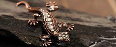 Women dress vintage repro lizard crystal brooch pin - $4.99USD