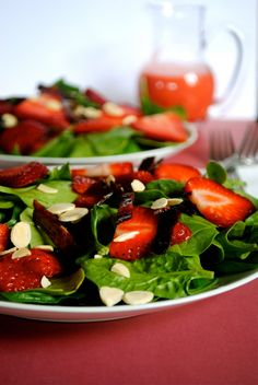 Spinach strawbeery candied bacon almond salad