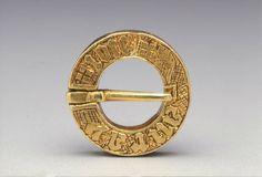 Ring brooch, last quarter of 14th century 0.4 x 1.8 ,