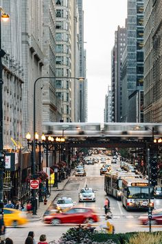 5 Reasons Chicago Should Be Your Next Getaway - If it's been a while since you hit the pavement in Chi Town—or if you've never been at all—now's the time to get reacquainted. With a white-hot restaurants, swanky boutique hotels, and hip neighborhoods aplenty, here's why the midwestern gem is a shoo-in for your domestic next trip.