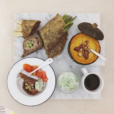 . good morning wednesday :-}))) . #goodmorning #morning #breakfast #yummy #goodfood #instafood #onthetable  #homemade #foodie #foodstagram #igfood #foodphotography #foodphoto #yum #2eat2gether #S_S_iloveBreakfast #朝食 #早餐 #goodmorning #早安 #おはようございます #baking #烘培 #pie #wholewheatpie #蘆筍牛肉全麥派卷 #派 #パイ #pumpkinsoup #creamypumpkinsoup #S_S_iloveBaking