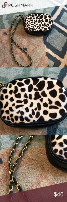 •Vintage• Leopard Calf Hair Chain Purse Excellent condition! Does seem to be real fur. Doesn't have a brand. Lovely vintage piece ❤️ Vintage Bags