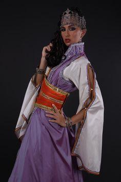 tenue algérienne.Kaftan Kabyle. قفطان جزائري ستايل قبائلي