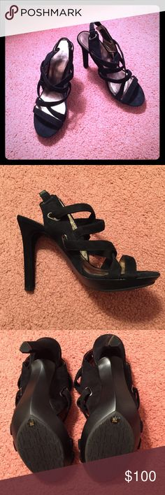 Diane von Furnstenberg sandals Absolutely gorgeous and super comfortable Diane von Furnstenberg sandals! Worn only once. Great condition! Diane von Furstenberg Shoes Sandals