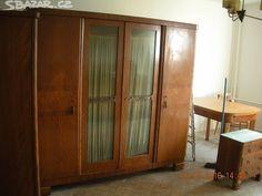 Starožitný nábytek - cena za 3 kusy skříní. - obrázek číslo 3