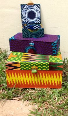 Diy African Jewelry, African Crafts, African House, Ghetto Fabulous, African Dance, Creative Textiles, Boho Designs, Fabric Bags, Printed Bags