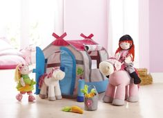 Na jazdeckom dvore Haba Toddler Bed, Dolls, Disney Princess, Disney Characters, Furniture, Home Decor, Horseback Riding, Child Bed, Baby Dolls