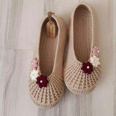Booties Crochet, Crochet Shoes, Crochet Slippers, Baby Booties, Crochet Clothes, Knit Crochet, Baby Shoes, Ballerina Slippers, Ciabatta