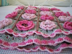 Flower square pattern from Rose Hip, free pattern!