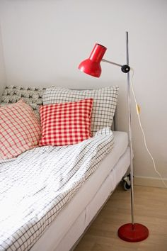 Patterns and red. This has such a great 1970s Terence Conran vibe. Via Planete Deco.