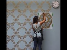 How to Stencil an Accent Wall in Only an Hour!, Easy methods to Stencil an Accent Wall in Solely an Hour! Easy methods to Stencil Accent Wall in Just one Hour Video Tutorial Damask Wall Stencils, Wall Stencil Patterns, Flower Stencils, Stencil Diy, Wall Stenciling, Diy Wand, Diy Tapete, Diy Wallpaper, Moroccan Decor