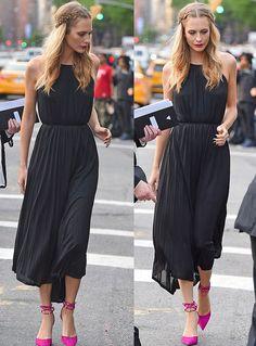 Vestido preto + sapato colorido