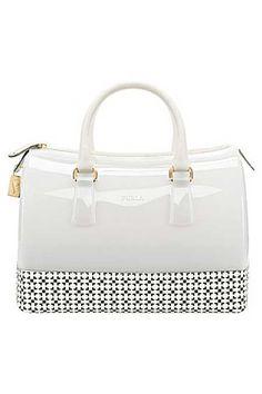 Markanın Candy Bag modeli...