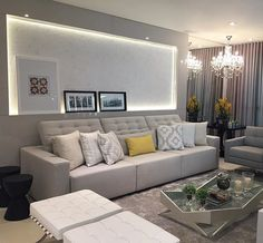 Sala de tv lindíssima!! Cinza + amarelo + preto #boatarde #interiores #decor…