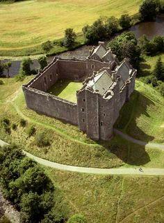 Doune Castle & Famous Scottish Towns Full-Day Tour
