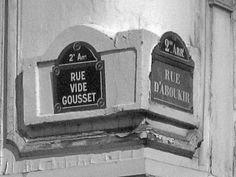 Paris sentier - plaque de rue - rue vide gousset
