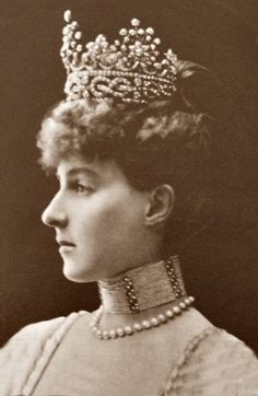 L'ancienne cour - Helena Duchess of Aosta Belle Epoque, Art Photography, Royalty, Italy, Royal Families, Vintage, Royals, Fine Art Photography, Vintage Comics
