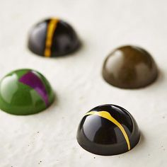 Chocolate bonbons by our Cercle V member Chef Ross Evans, with Valrhona Guanaja 70%