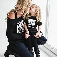 Best Mini-me photos: Fashionista parents and kids! matching outfits, mommy and daughter, daddy and son Mother Daughter Matching Outfits, Mother Daughter Fashion, Mommy And Me Outfits, Family Outfits, Mom Daughter, Kids Outfits, Daughters, Trendy Outfits, Outfits Madre E Hija