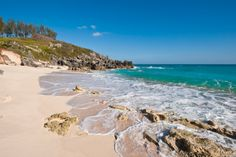 To understand the magic of Bermuda, one must look at the numbers. Total square miles: 21 Total miles of coastline: 75 For any beach lover, that basically means: #WINNING. It also means that you'll …