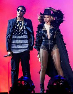 Depuis plusieurs semaines, la rumeur va bon train. Beyoncé et Jay Z seraient sur le point de divorcer. http://www.elle.fr/People/La-vie-des-people/News/Beyonce-et-Jay-Z-la-photo-qui-prouve-qu-ils-ne-divorcent-pas-2739647