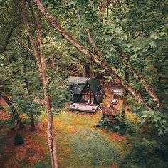 A birds eye view 🦅 Photo: @dirtandglass ........#ablackaframe #cabinvibes #cabinporn #catskills #mountain #getaway #aframe #aframecabin #retreat #airbnb #upstate #kerhonkson #ny #nycgetaways #interiors #interiordesign #cedar #woodpanels #upstate #upstateny #cozy #design #drone #wilderness #exploring #adventure #dronephotography #modern #rustic #airbnbny