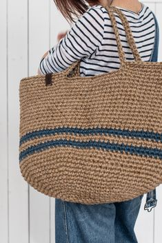 Large Beach Bags, Large Bags, Crochet Tote, Crochet Handbags, Jute Tote Bags, Bag Pattern Free, Market Bag, Free Market, Knitted Bags