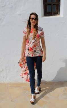 Dip hem top, perfect over jeans or teemed with shorts for those sunny summer days