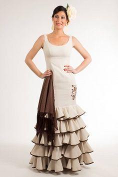 Traje de flamenca de Micaela Villa 2015: Brisa Beige C09