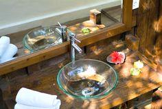 indoor bathroom sink of Villa Adagian, Bali location de villa bali Bali Holidays, Car Parking, Guest Room, Villa, Sink, Hotels, Indoor, Romantic, Vacation