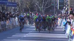 Bennati à l'expérience Vidéo : Bennati vainqueur à l'expérience et en force - L'Italien Daniele Bennati (Tinkoff) a fait parler son expérience et sa science du placement pour remporter au sprint mercredi la 1re étape du Tour d'Andalousie dans les rues...