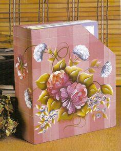 Caja ordenador de revistas o libros.