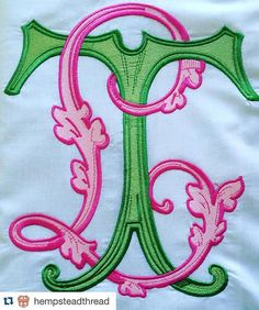 Vintage Embroidery Designs Completely and totally obsessed! Pink and green monogram love! Vintage Embroidery, Embroidery Applique, Machine Embroidery, Embroidery Patterns, Monogram Design, Monogram Styles, Monogram Initials, Monogram Logo, Embroidery Monogram Fonts