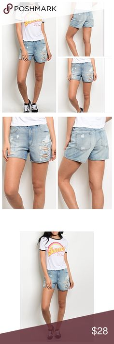 """🔥SIZZLE SALE🔥Light Distressed Denim Jean Short S Perfect go to shorts this season. Lightwash distressed denim with a relaxed fit. Zip button closure 100% cotton. Please read size details   Small  Women Size 2/Junior Size 3-5  Waist 26-27 Length 11.5""""  Medium Women Size 4 /Junior Size 7 Waist 28-29 Length 12""""  Large Women Size 6/ Junior Size 9 Waist 30-31 Length 12.5"""" Shorts Jean Shorts"""