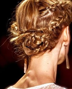 hair styles for proms julianne hough shows us all how to make a braided bun work 9223