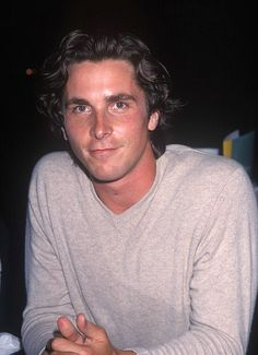 lookin' fine and simply irresistible Batman Christian Bale, Christian Bale Hot, Batman Begins, Beautiful Boys, Pretty Boys, Beautiful People, Amazing People, Chris Bale, American Psycho