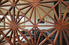 Wooden Screen... wonder if I can get a screen like this waterproofed & use it as a shower screen in a wetroom