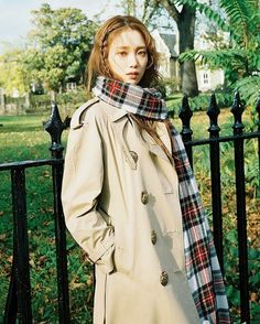 Pictured in Marie Claire KR's December issue, Lee Sung Kyung wears a Burberry trench coat styled with our oversized tartan cashmere Merino wool scarf Lee Sung Kyung Photoshoot, Lee Sung Kyung Wallpaper, Korean Beauty, Asian Beauty, Korean Girl, Asian Girl, Kang Sora, Lee Yo Won, Weightlifting Fairy Kim Bok Joo