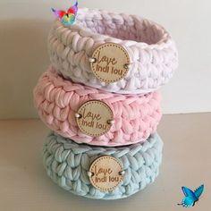 LoveIndiLou shared a new photo on Etsy Rainbow Basket Handmade Nursery storage Colourful<br> Crochet Storage, Crochet Box, Crochet Basket Pattern, Knit Basket, Crochet Patterns, Rainbow Nursery, Rainbow Baby, Baby Schmuck, Tshirt Garn