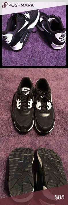 Black/White Nike Air Max sneakers Perfect condition Nike Air Max Black/White sneakers. Wore one time. Very comfortable for the gym,hiking,walking, etc. Nike Shoes Sneakers