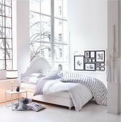 Mit raumfüllender Eleganz und Exklusivität rückt dieser hochwertig ausgestattete, romantische Klassiker in den Fokus der Aufmerksamkeit - zeitlos, edel und luxuriös. #Möbel #Bett #Vintage #Impressionenversand