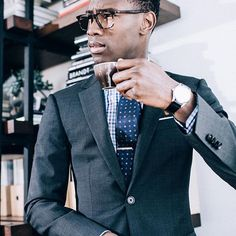 Good morning! Time to grab a coffee and get shopping. Save up 70% at our January Clearance this weekend. Link in bio #menstyle #suits #madetomeasure