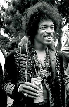 #JimiHendrix http://ozmusicreviews.com/the-sad-passing-of-amy-winehouse